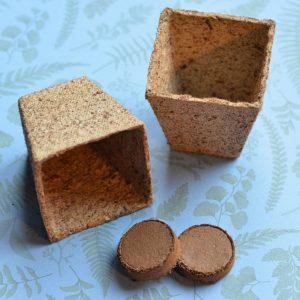 Potjes, aarde en zaden pakketje
